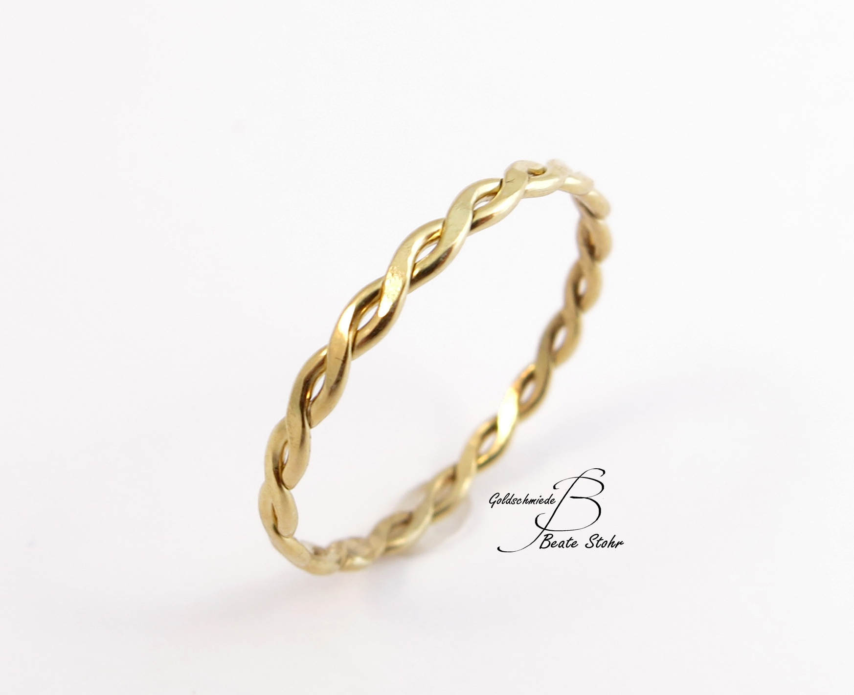 Gold Finger Ring Photos